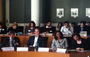 المحاضرون خلال المؤتمر