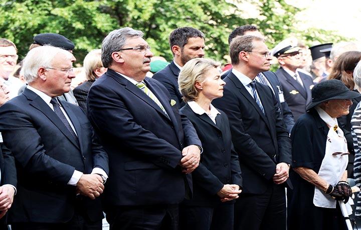 وزيرة الدفاع الألمانية وعمدة برلين ورئيس برلمان برلين